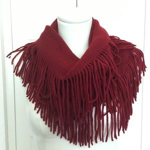 Accessories - 5 ⭐️ Super soft, fringed infinity scarf burgundy